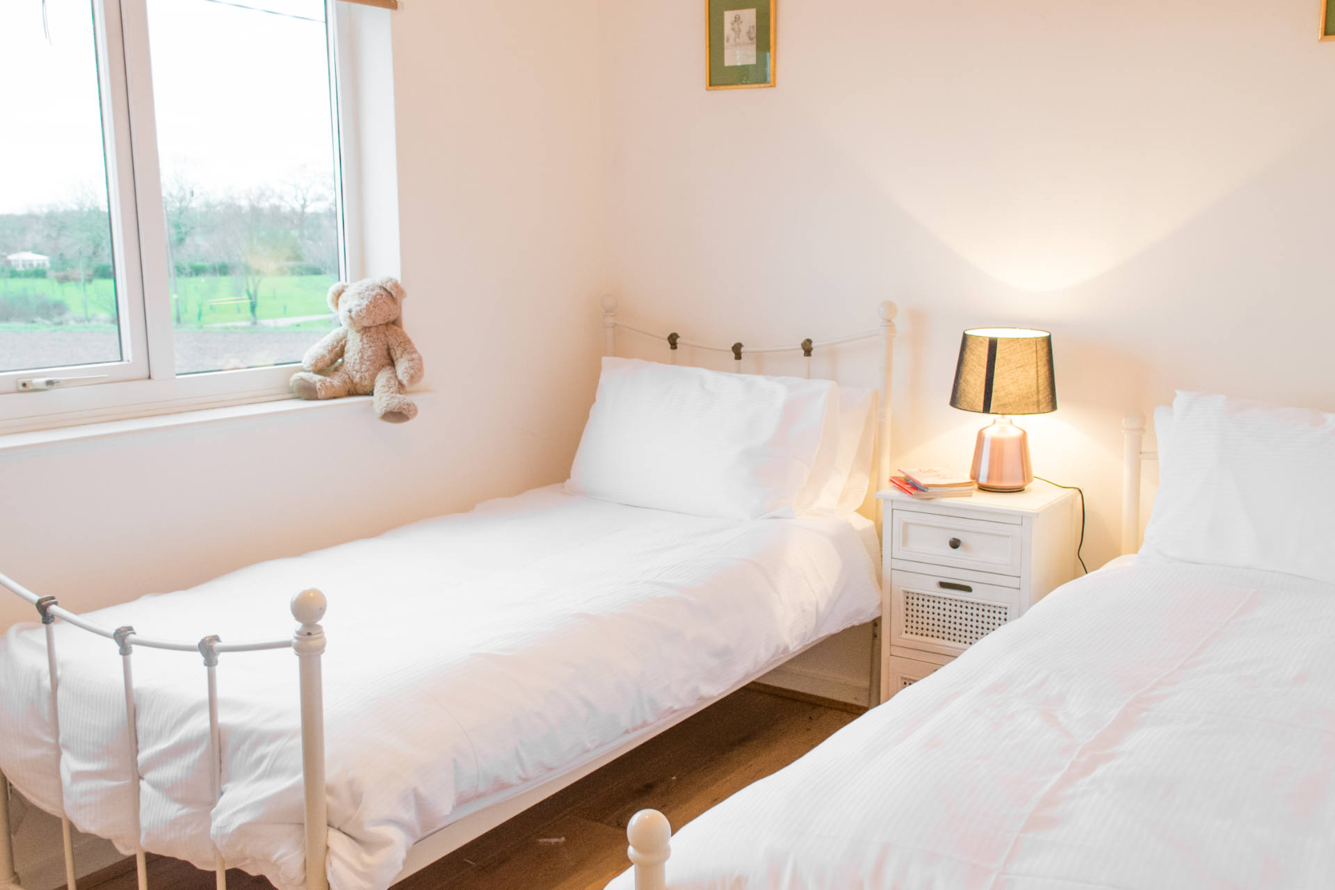 Accommodation's third twin bedroom