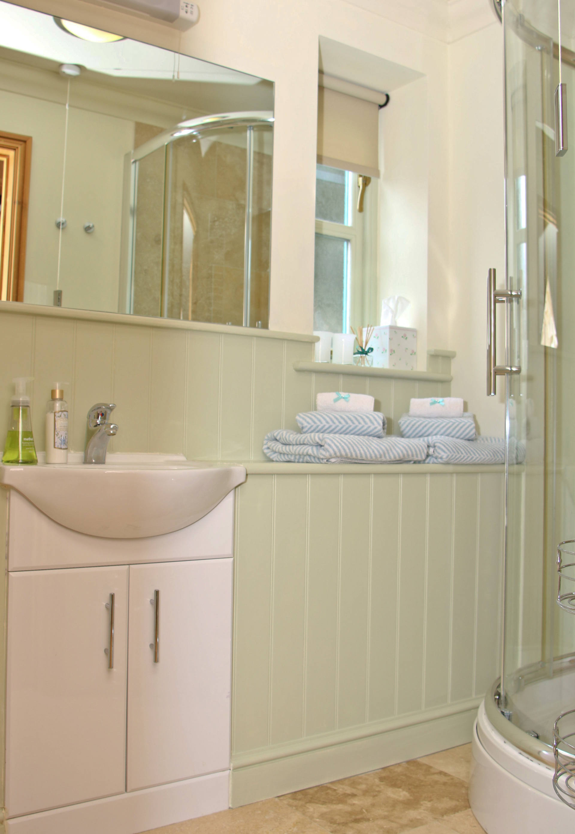 Cottage's bathroom and shower.