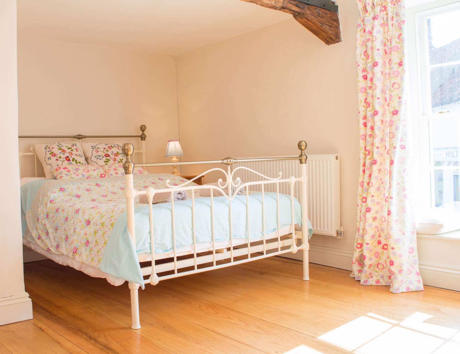 Double bedroom with ensuite and plenty of natural light.
