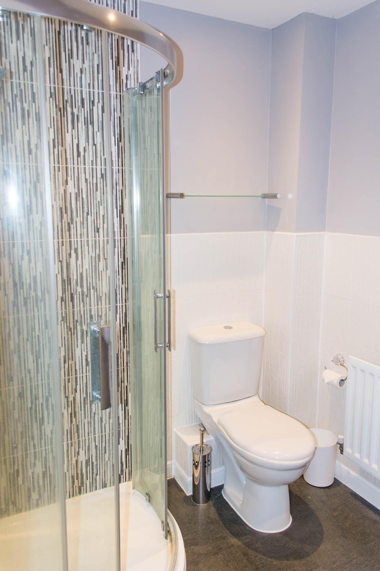 Ensuite bathroom with shower cubicle.