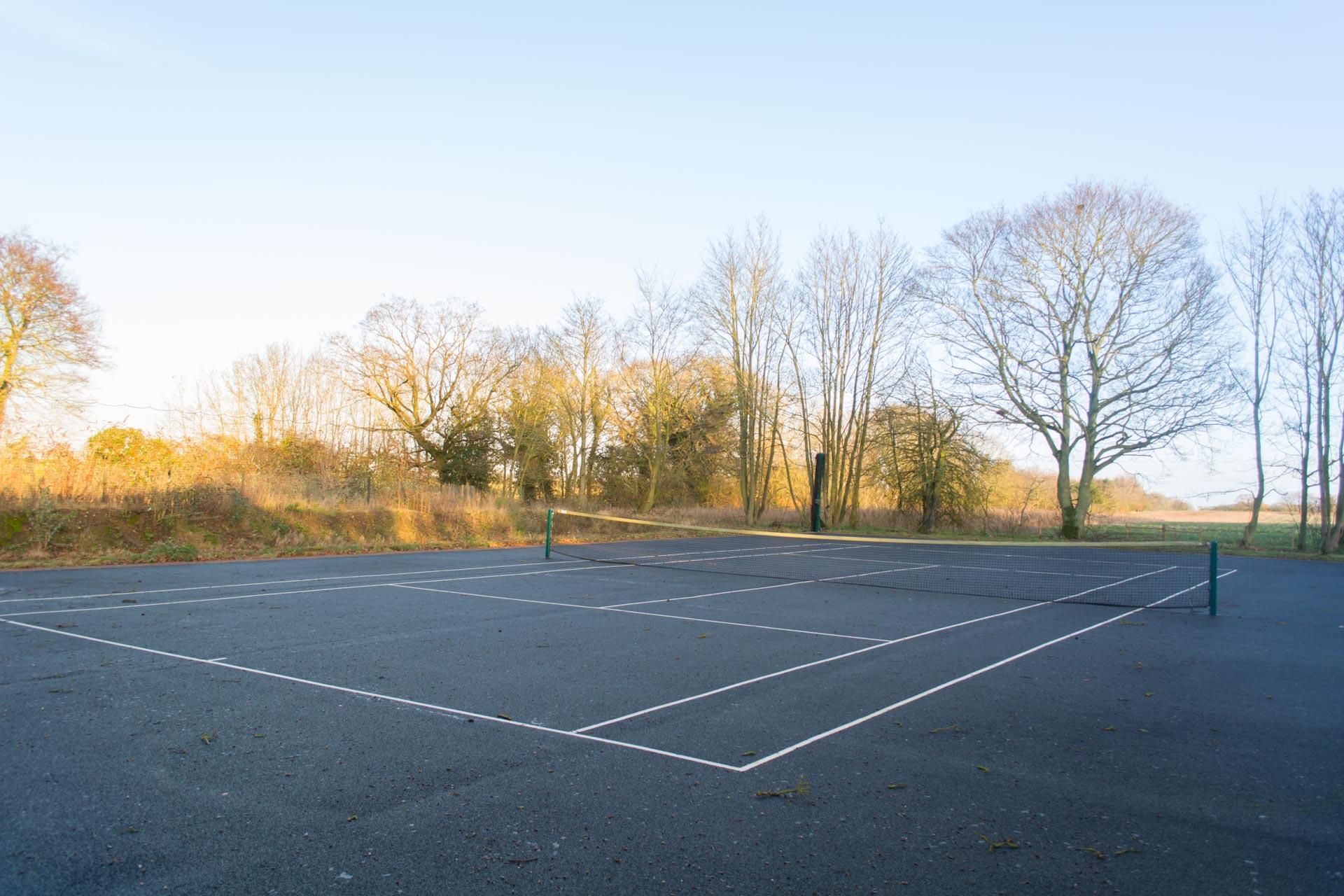 Heckingham Park's outdoor tennis courts.
